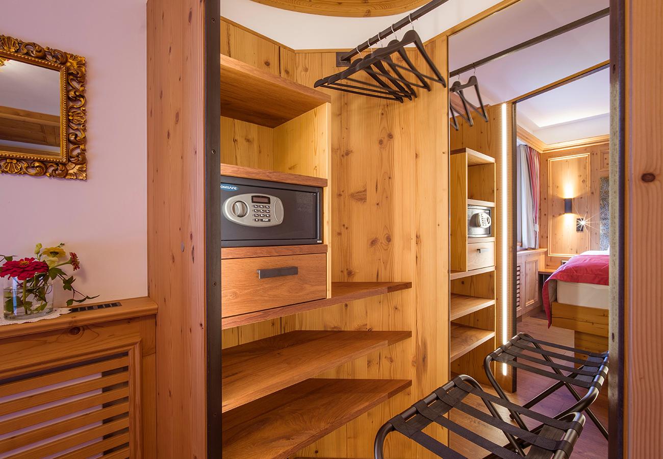 Kroell-Alpin-Hotel-Garni-Eder-4