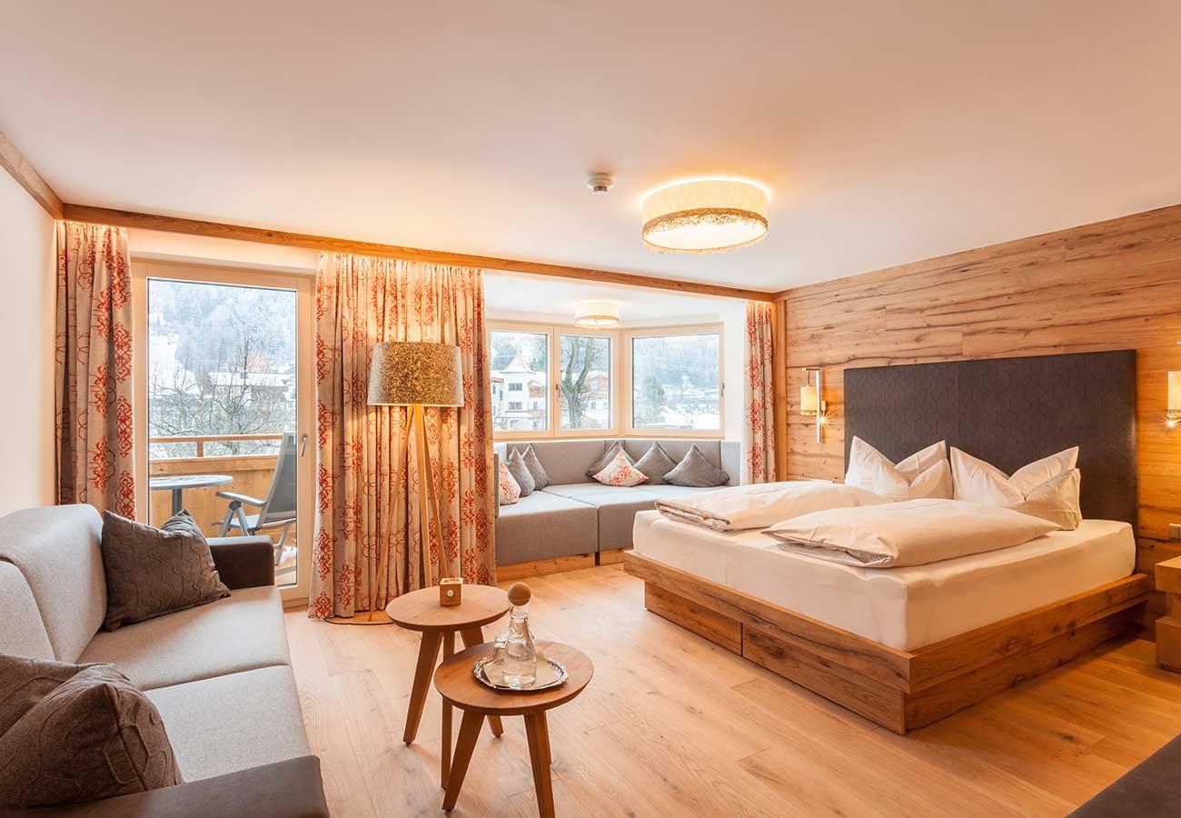 Tischlerei-Kroell-Ferienhotel-Sonnenhof-3