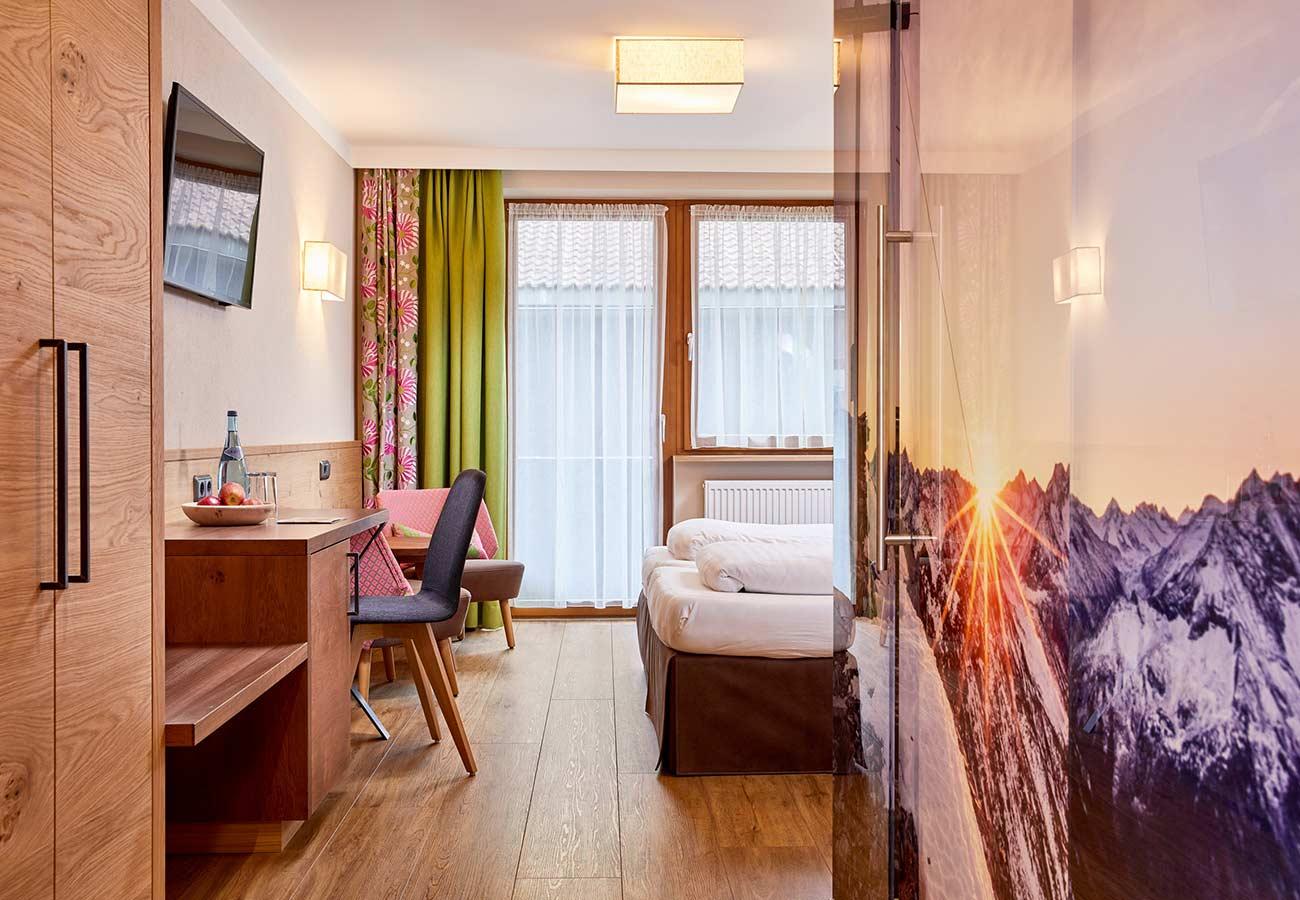 Tischlerei-Kroell-Hotel-Neue-Post-2