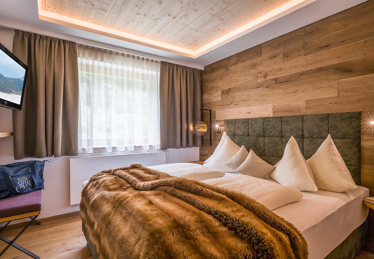 Tischlerei-Kroell-Hotel-Seetal-Kaltenbach-8